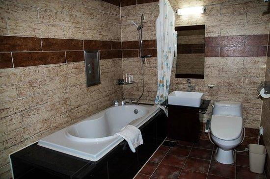 Sunset Business Hotel : Ванная