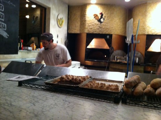 Roostica Wood-Fire Pizzeria : Rick serving up the goodies