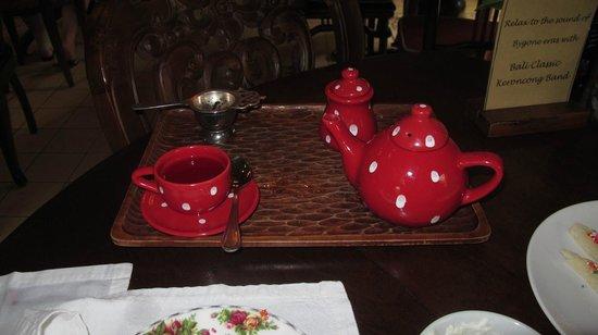 Biku : kids Tea served in a little tea pot