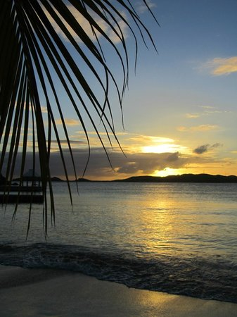 Secret Harbour Beach Resort : Beach Sunset