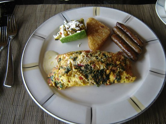 Presidente Inter-Continental Cozumel Resort & Spa: Breakfast Omelette with Sausage