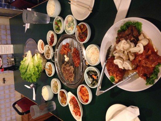 Mama's House Restaurant: Table top Korean BBQ