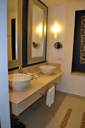 Hard Rock Hotel & Casino Punta Cana: Bathroom
