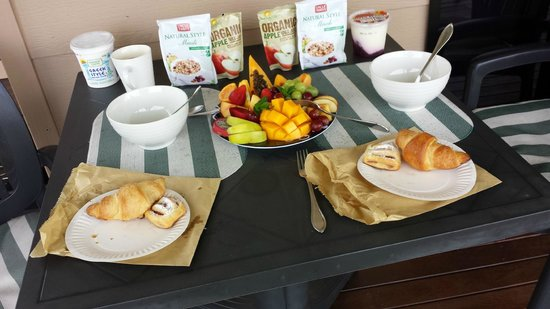 Blue Summit Cottages : Continental breakfast