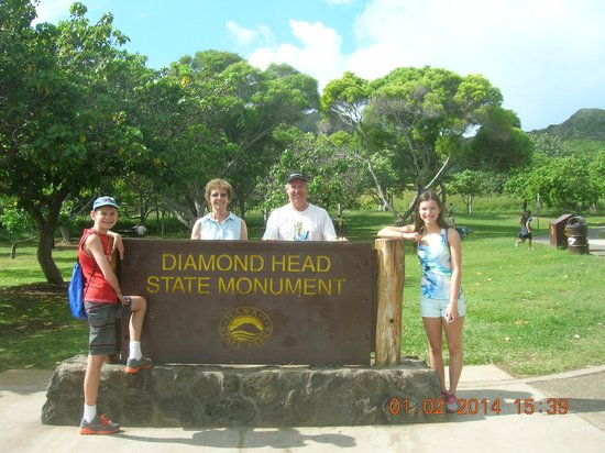 Diamond Head: At the beginning of the trail