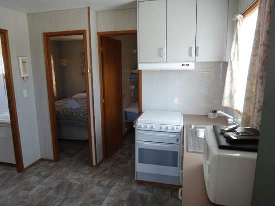 Gateway Lifestyle Benalla : Kitchen & Bedrooms