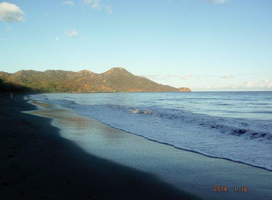 Hotel Riu Guanacaste : Morning on the beach.