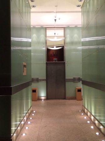 Grand Hyatt Sao Paulo: Lobby, elevadores