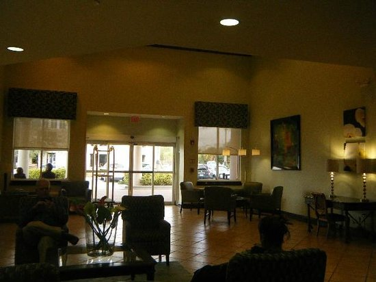 Best Western Plus Miami-Doral/Dolphin Mall : looking out from lobby