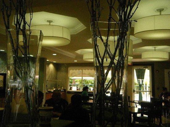 Best Western Plus Miami-Doral/Dolphin Mall : lobby and dining