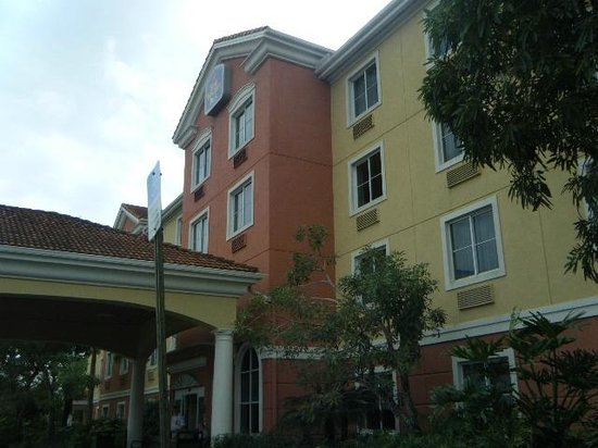 Best Western Plus Miami-Doral/Dolphin Mall : front hotel
