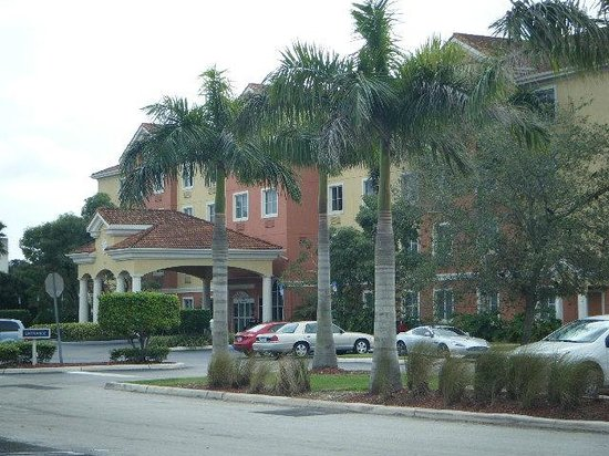 Best Western Plus Miami-Doral/Dolphin Mall : outside