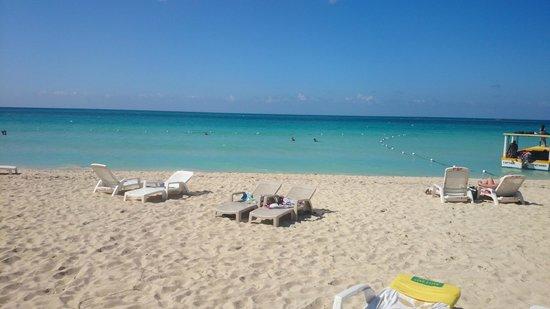 Negril Beach Club: Beach