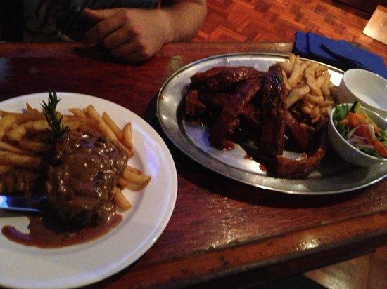 Divers Tavern Beach Bar: Steak and ribs.