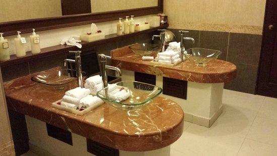 Hyatt Zilara Cancun : Washrooms