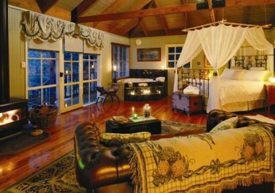 Observatory Cottages Luxury Hosted Accommodation: Timeless Elegance