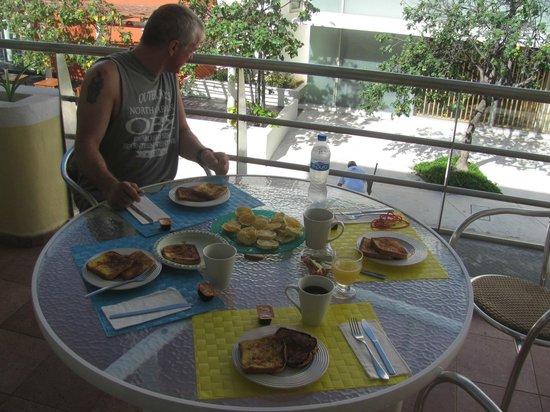 Color de Verano Village Apartments: Homemade french toast: Balcony Apt 1