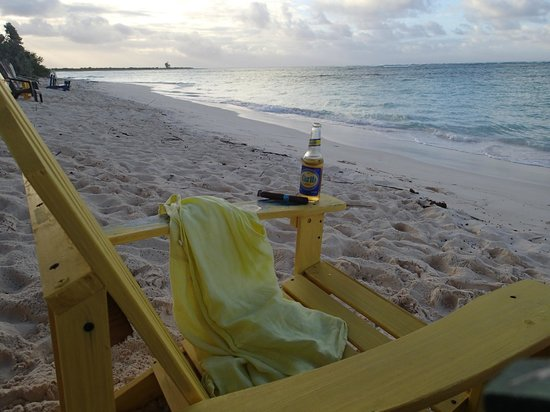 Anegada Reef Hotel: Late afternoon at the beach...