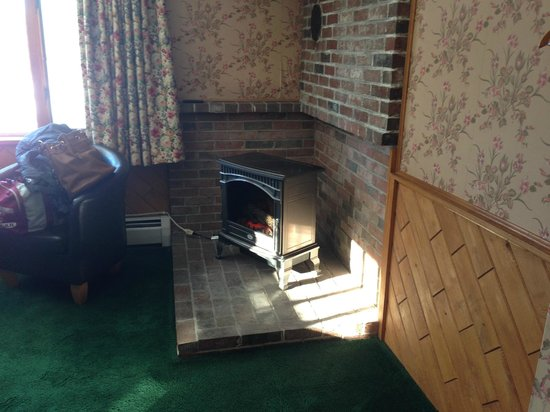 "The Rangeley Inn : ""fireplace"""