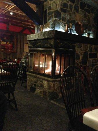 The Rangeley Inn : Lounge fireplace