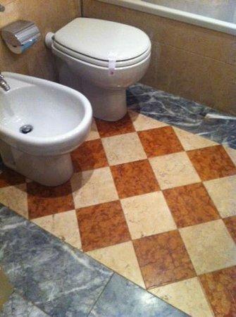 Hotel Antiche Figure: bathroom 2