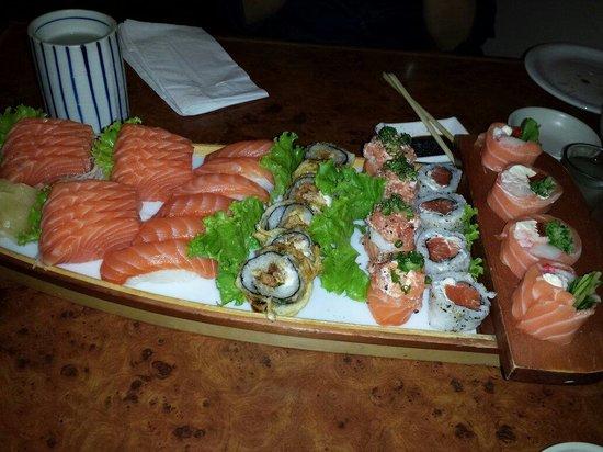 Sushi Hokkai: Promoção de segunda feira top entrada de tempura de lula, tempura de salmão, misoshiro e mais um