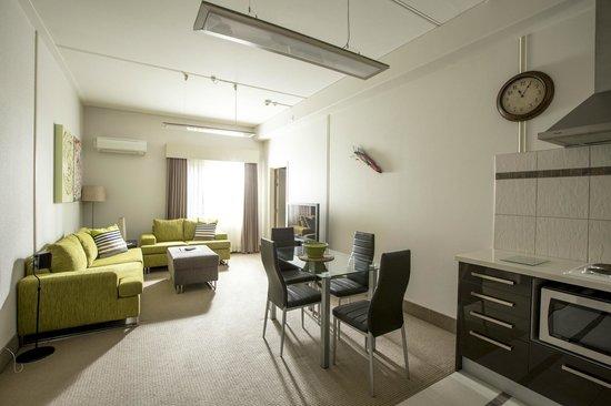 Jet Park Hotel & Conference Centre: Apartment living