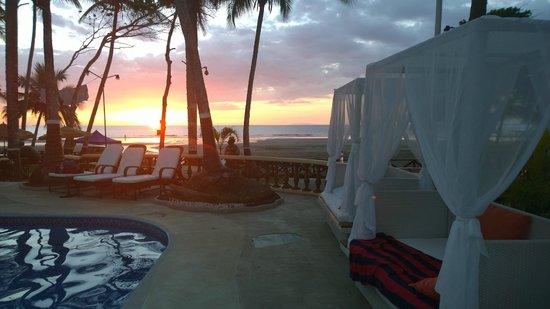 Jaco Laguna Resort & Beach Club: Jaco Beach View from Pool