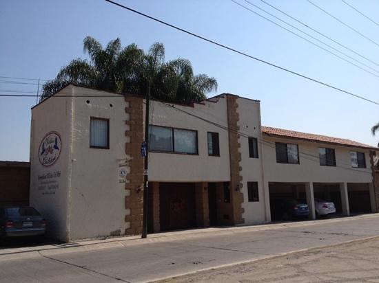 Hotel Villas Colibri: fachada de Villas