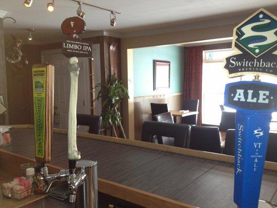 The Stamford Motel & Restaurant: dining room beers on tap