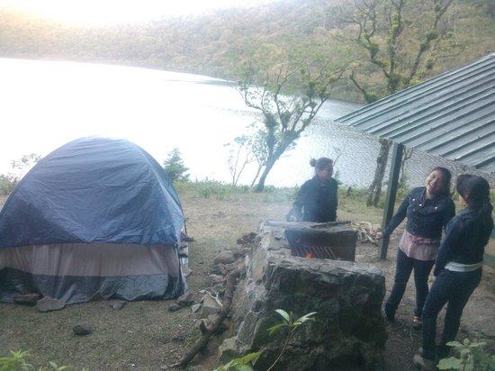 Volcan Ipala: Camping a la orilla de la laguna