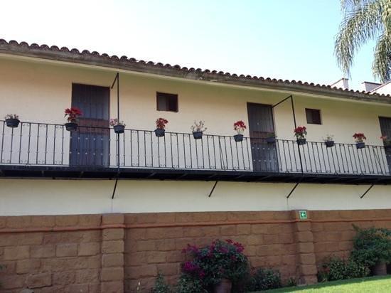 Hotel Villas Colibri: habitaciones vistas desde el jardín