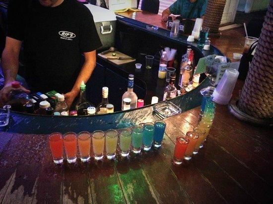 Rip's Bar: Rainbow shots