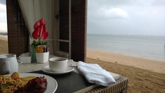 Puri Santrian: breakfast