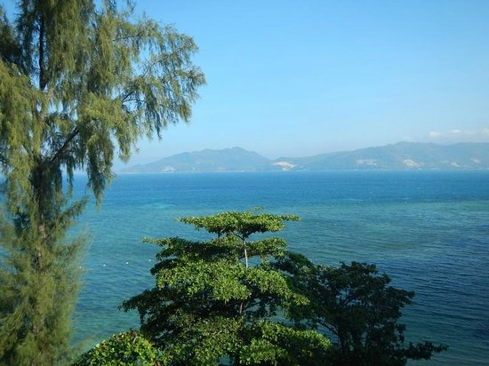 Tri Trang Beach Resort: Вид с лобби