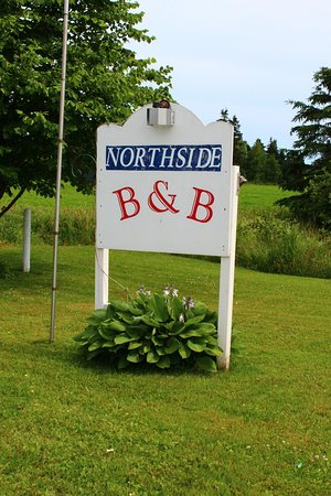 Northside B&B: Sign out Front