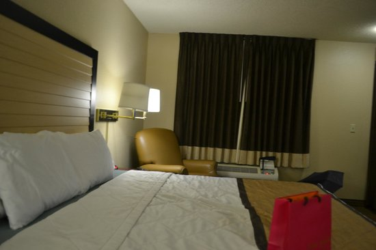 Extended Stay America - Seattle - Bellevue - Downtown: ベッド周辺