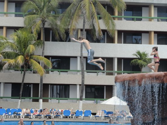 El Cid Castilla Beach Hotel: Never a dull moment!