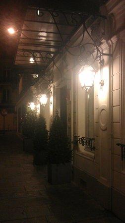 Le Grey Hotel: Hotel Entrance