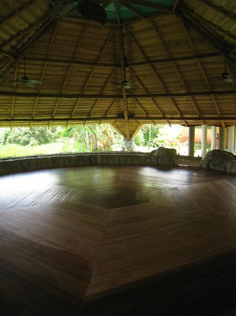 La Cusinga Eco Lodge: Yoga Room