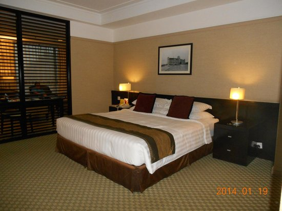 Pacific Regency Hotel Suites: 1 Bedroom Suite