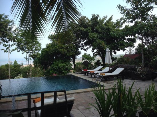 Pagoda Rocks Boutique Guesthouse: Pool view