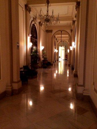 Gran Hotel Bolivar : hallways
