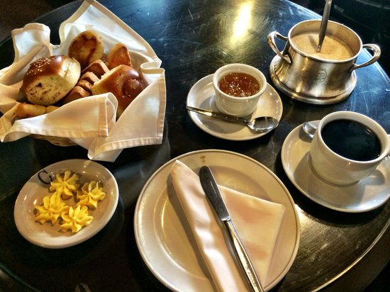 Gran Hotel Bolivar: Perfect continental Breakfast