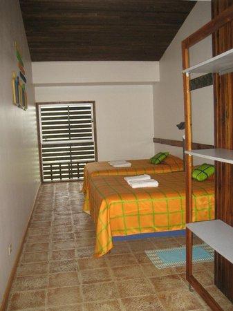 Celeste Mountain Lodge: Clean/simple/comfy room