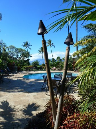 The Mauian Hotel on Napili Beach: The pool