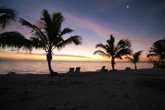 Swain's Cay Lodge : Sunrise