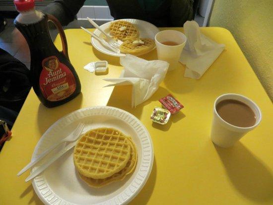 Super 8 Anaheim/Near Disneyland: Breakfast