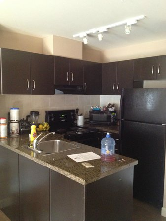 Executive Suites Hotel & Resort : Kitchen