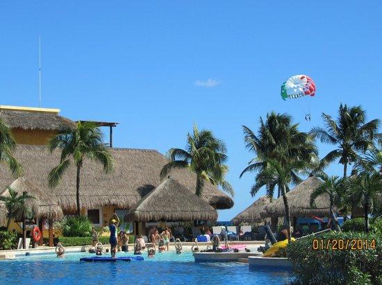 Iberostar Quetzal Playacar: Pool area